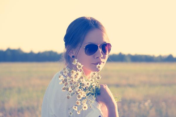 sunglasses-love-woman-flowersmtd
